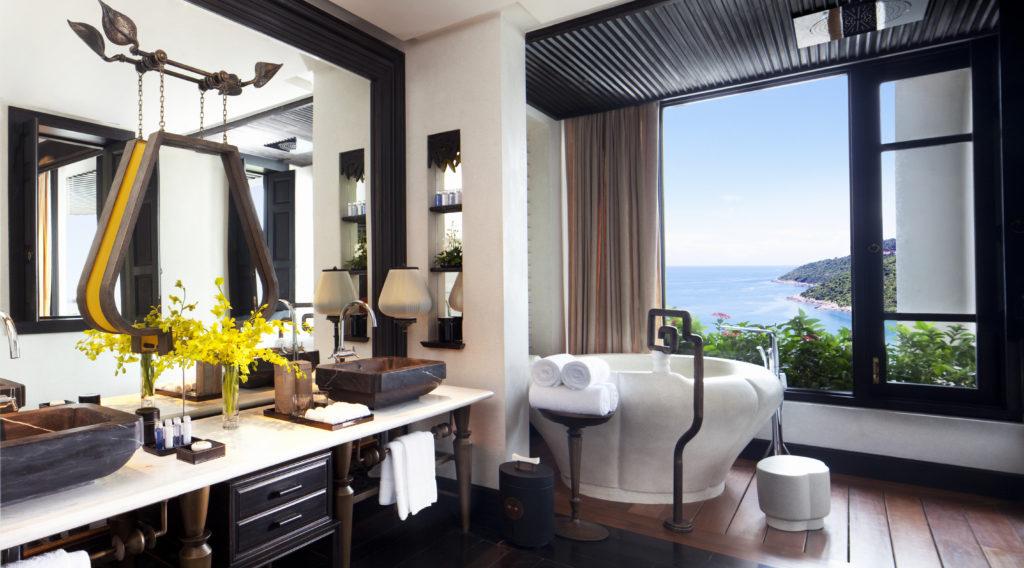resort-classic-ocean-view-bathroom