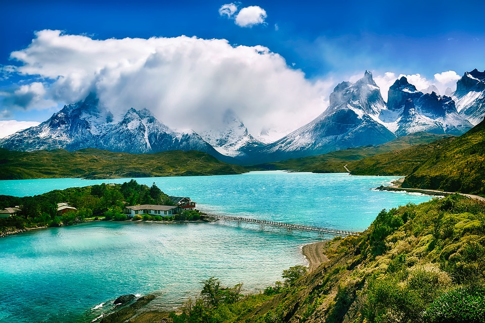 Chile lake and mountain landscape