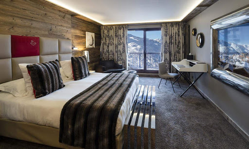 upscale alpine themes room in ski resort