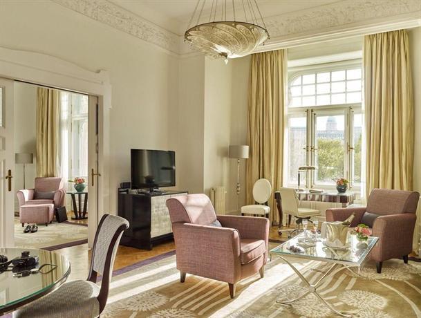 Beautiful luxury hotel room